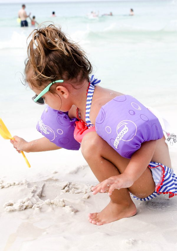 Tips for Babies and Toddlers at the Beach