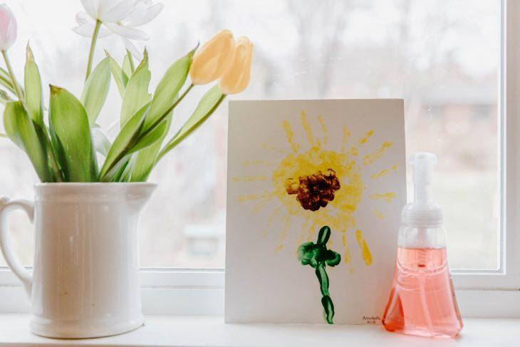 DIY Handprint Flower Tutorial