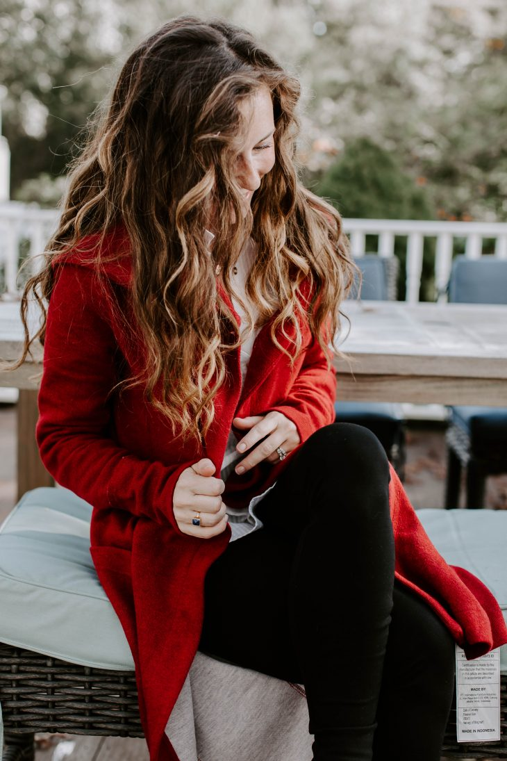 Staying stylish as a Mom during each season is easy, even when it starts to become chilly outside (like today in Connecticut!). If you're a Mom looking for some advice, here are three tips for staying stylish as a Mom during the cold months.