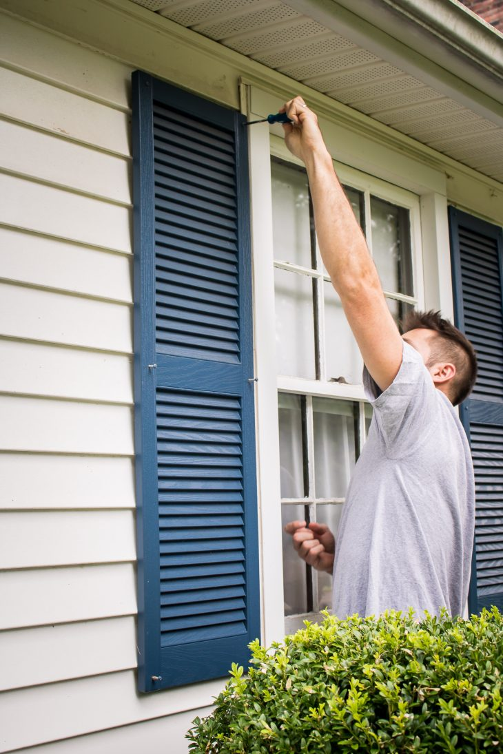 Removing exterior shutters
