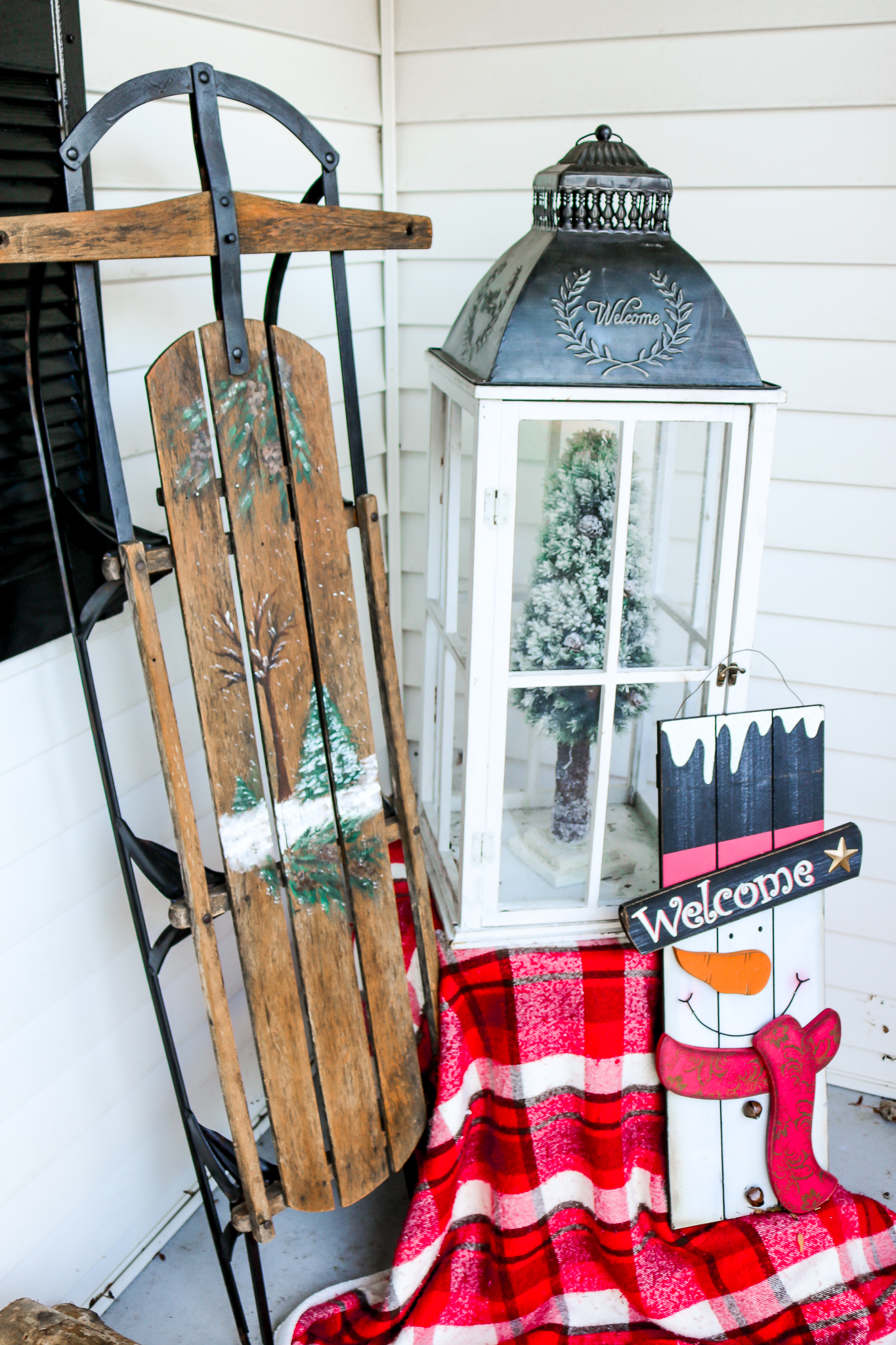 Decorating the Front Porch for the Holidays