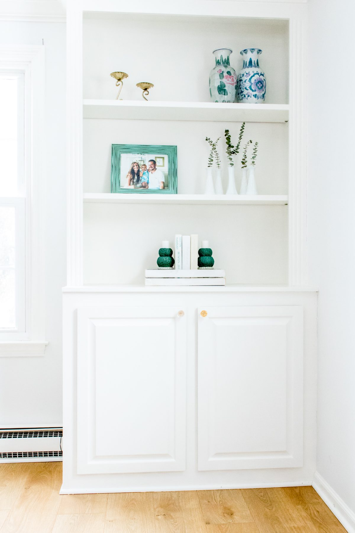 Spring Shelf Decor on White Built-Ins