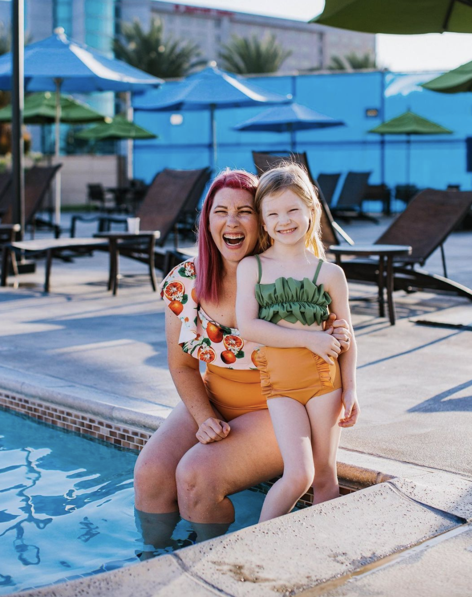 10 Honest Lifestyle Bloggers to Follow - Carly Anderson and her daughter at the pool