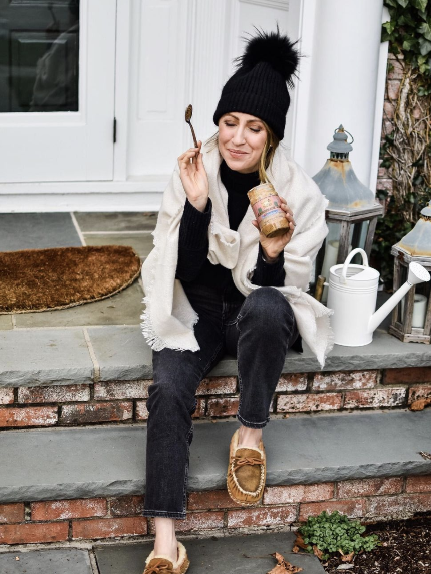 10 Honest Lifestyle Bloggers to Follow -  Nora Massey from Purely Nora - New England Blogger