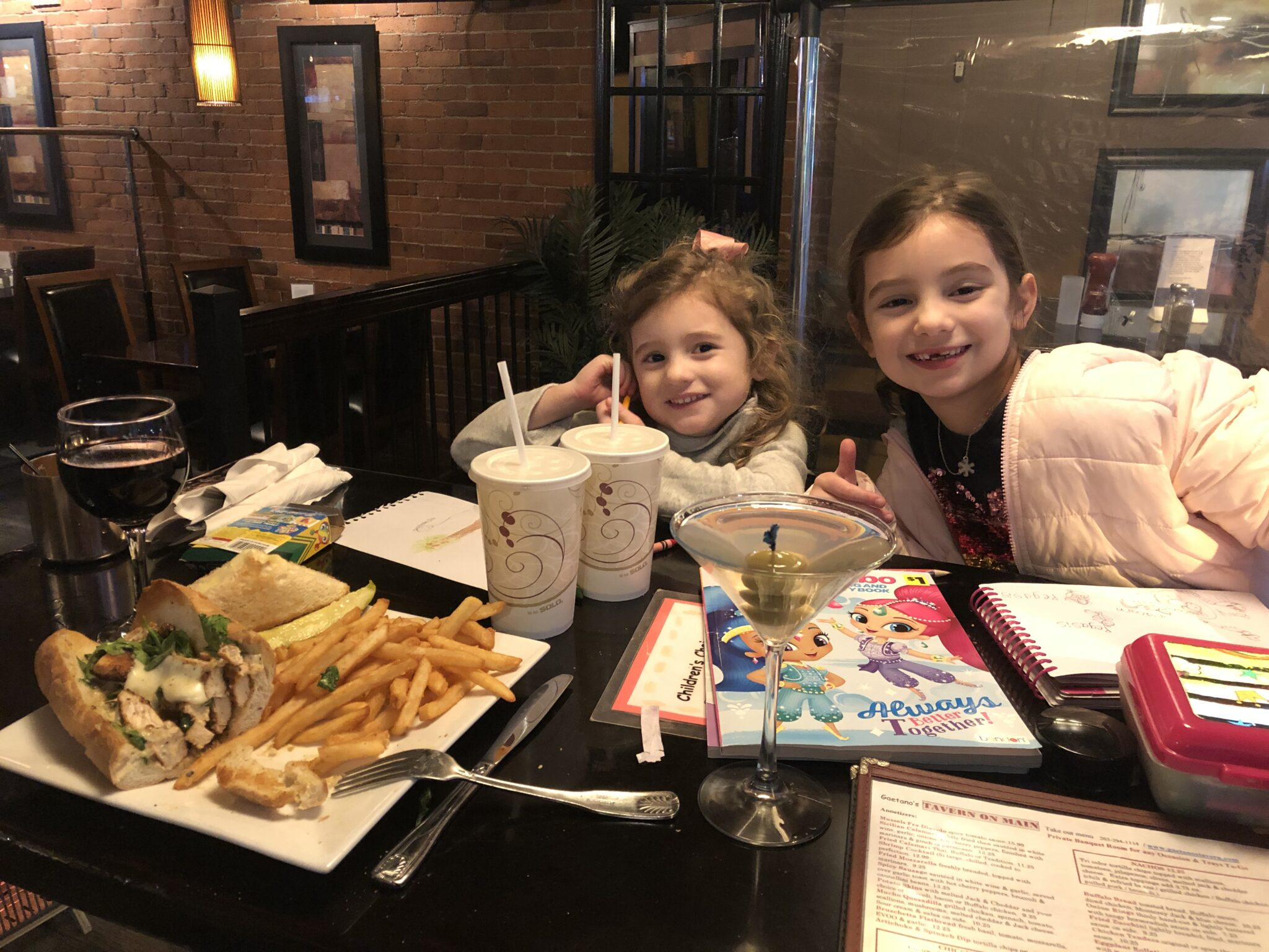 little girls at Gaetanos Tavern