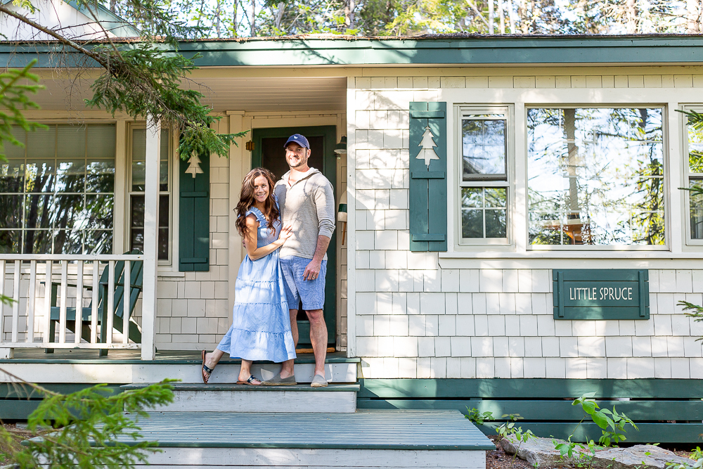 couple at the little spruce cottage at spruce point inn
